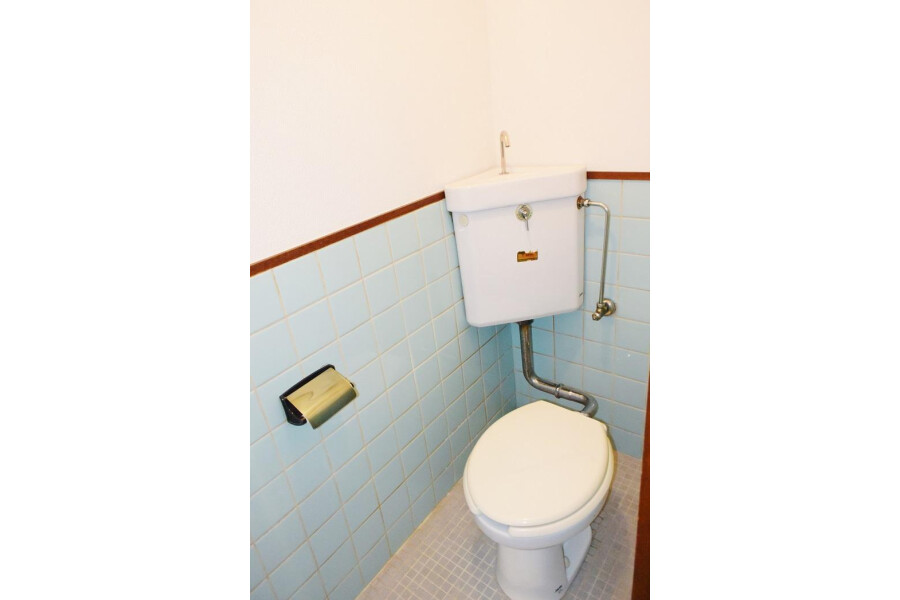 2DK Apartment to Rent in Osaka-shi Higashisumiyoshi-ku Toilet