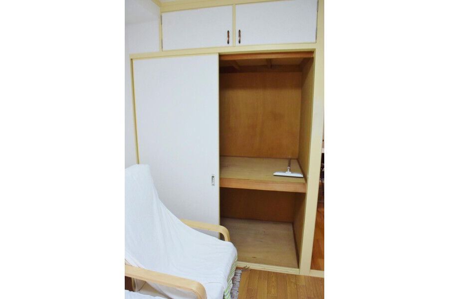 1DK Apartment to Rent in Osaka-shi Tennoji-ku Outside Space