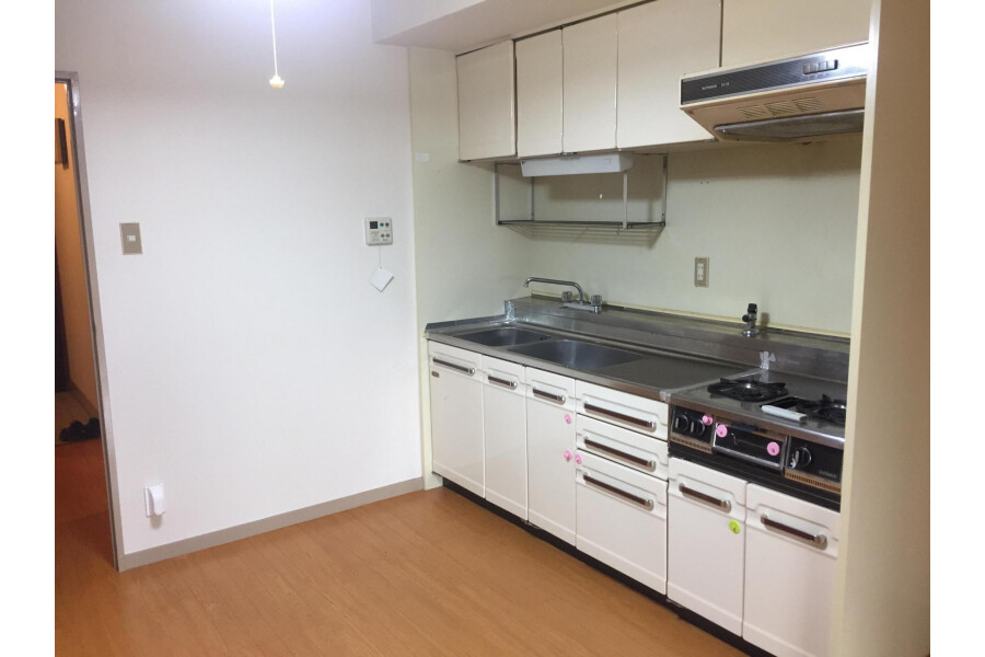 1LDK Apartment to Buy in Kyoto-shi Higashiyama-ku Kitchen