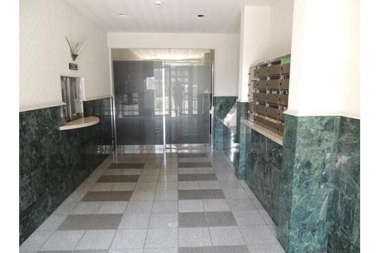 2LDK Apartment to Buy in Kyoto-shi Shimogyo-ku Entrance Hall
