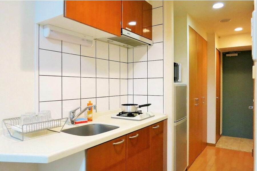1K Apartment to Rent in Osaka-shi Kita-ku Kitchen