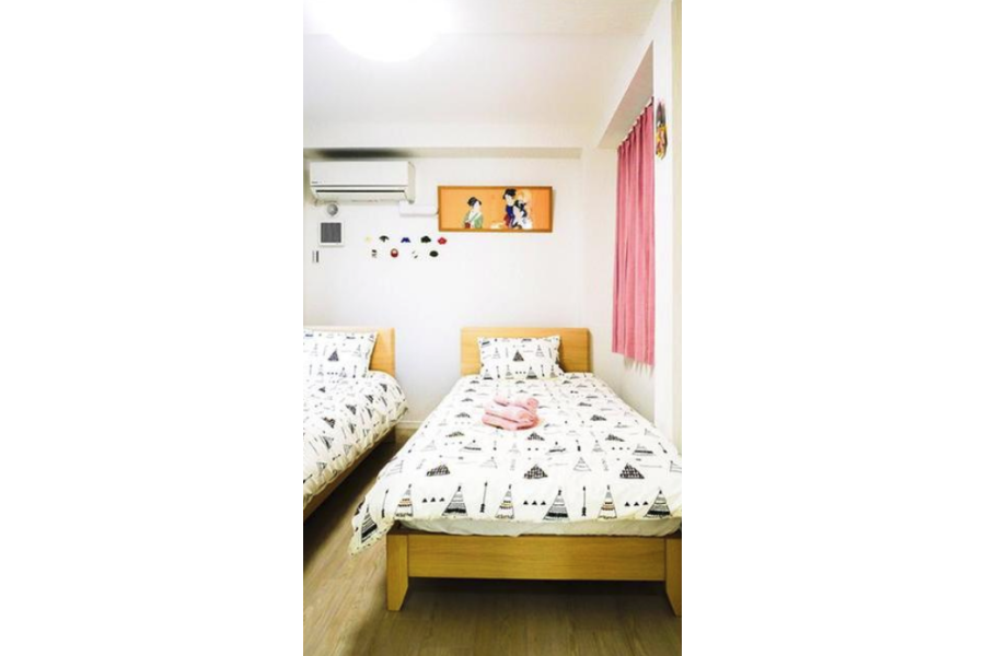 Whole Building Hotel/Ryokan to Buy in Taito-ku Bedroom