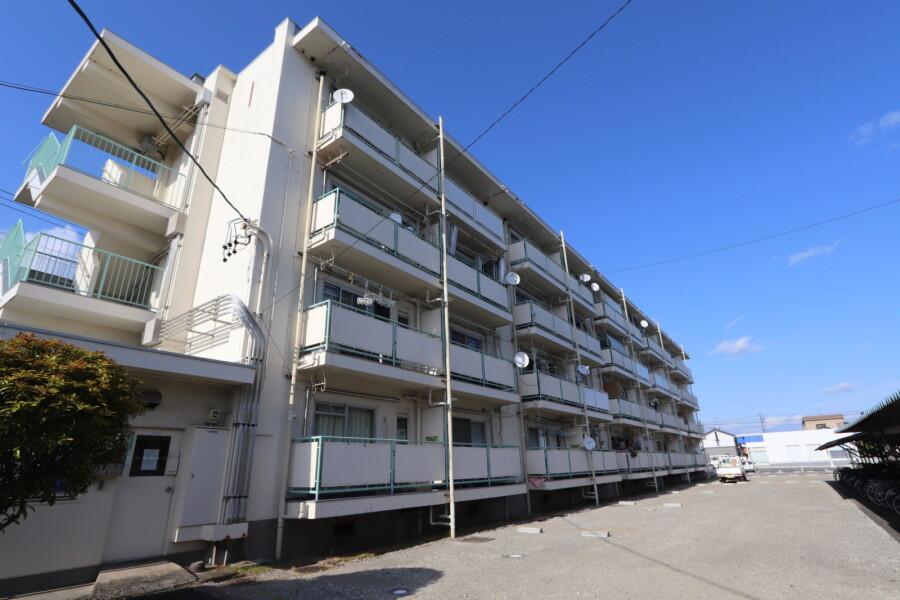 2K Apartment to Rent in Hashima-gun Ginan-cho Exterior