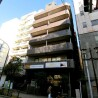 Private Guesthouse to Rent in Kita-ku Building Entrance