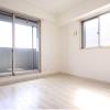 1K Apartment to Rent in Osaka-shi Miyakojima-ku Room