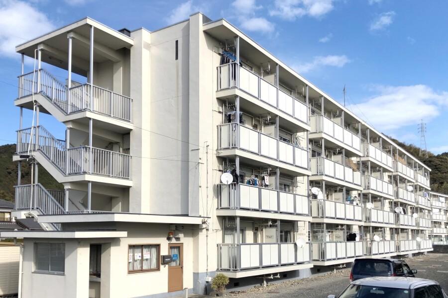 2K Apartment to Rent in Shimada-shi Exterior