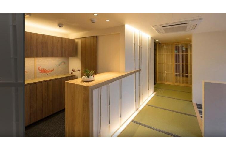 Whole Building Hotel/Ryokan to Buy in Kyoto-shi Shimogyo-ku Lobby