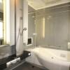 3LDK Apartment to Rent in Osaka-shi Naniwa-ku Bathroom