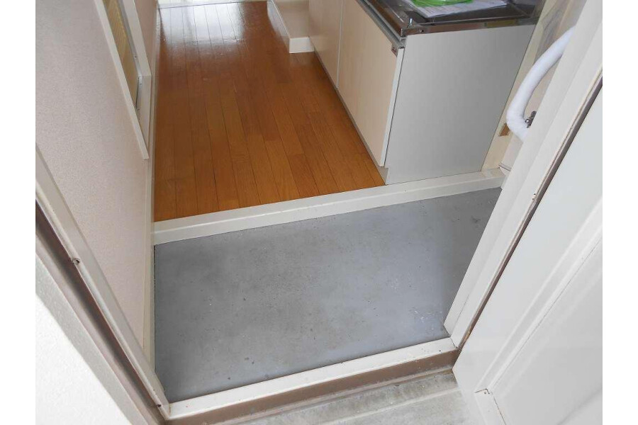 1R Apartment to Rent in Hino-shi Entrance