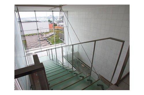 3LDK Apartment to Rent in Yokohama-shi Naka-ku Entrance Hall