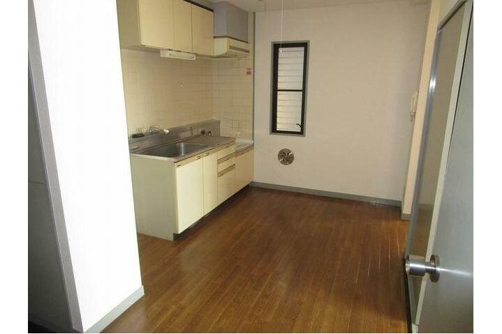 2DK Apartment to Rent in Setagaya-ku Kitchen