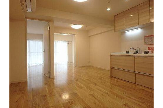 2SLDK Apartment to Buy in Shinagawa-ku Interior