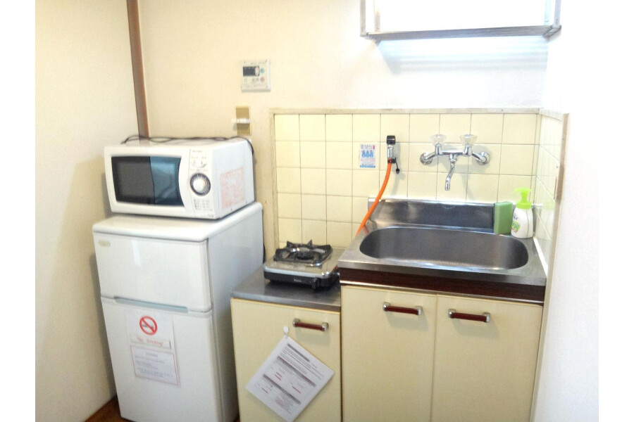 1K Apartment to Rent in Osaka-shi Higashinari-ku Kitchen