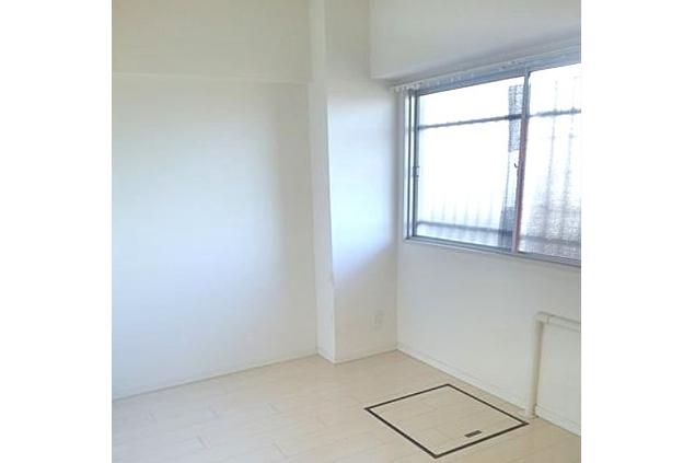 1DK Apartment to Rent in Suginami-ku Living Room