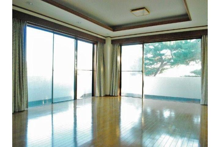 7LDK House to Rent in Ota-ku Living Room