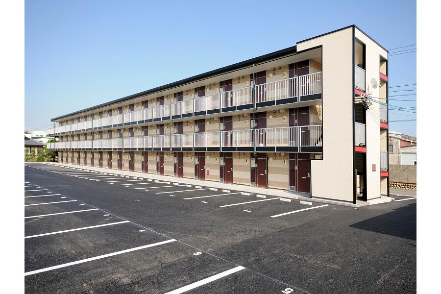 1K Apartment to Rent in Yokkaichi-shi Exterior