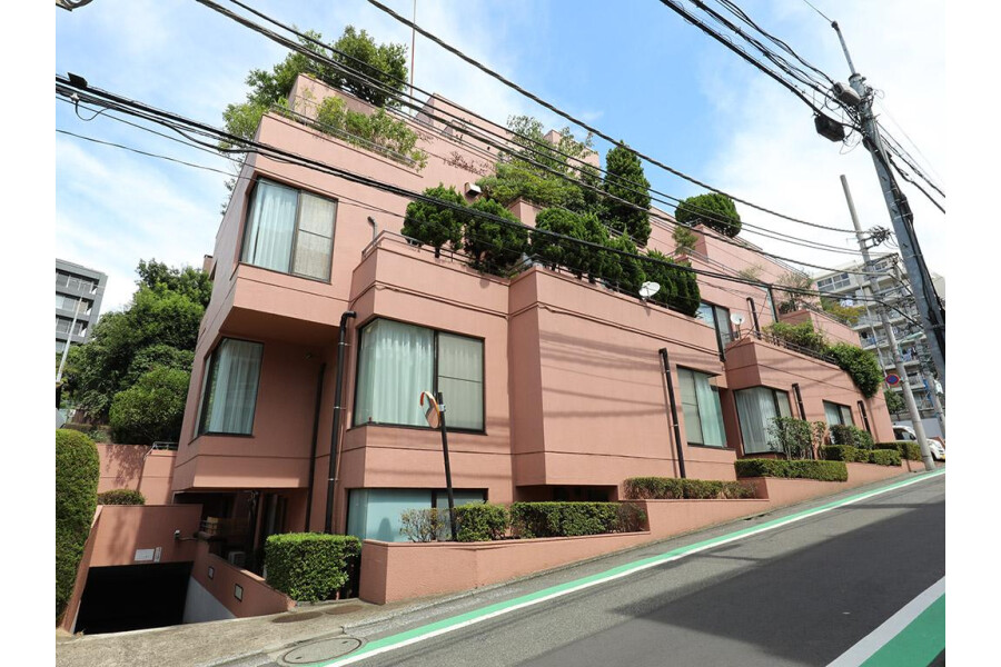 3SLDK Apartment to Buy in Meguro-ku Exterior