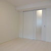 1K Apartment to Buy in Minato-ku Bedroom