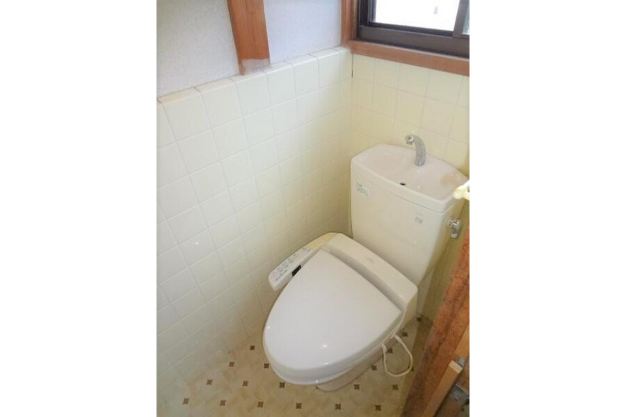 6LDK House to Buy in Kyoto-shi Sakyo-ku Toilet