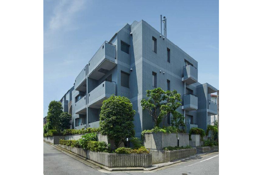 Whole Building Apartment to Buy in Meguro-ku Exterior
