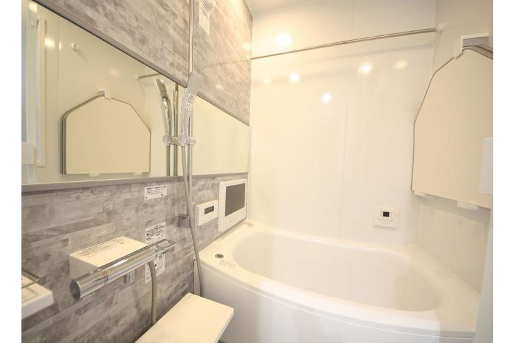 3LDK House to Buy in Shinjuku-ku Bathroom