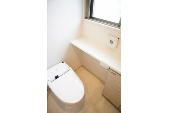 2LDK Apartment to Buy in Arakawa-ku Toilet
