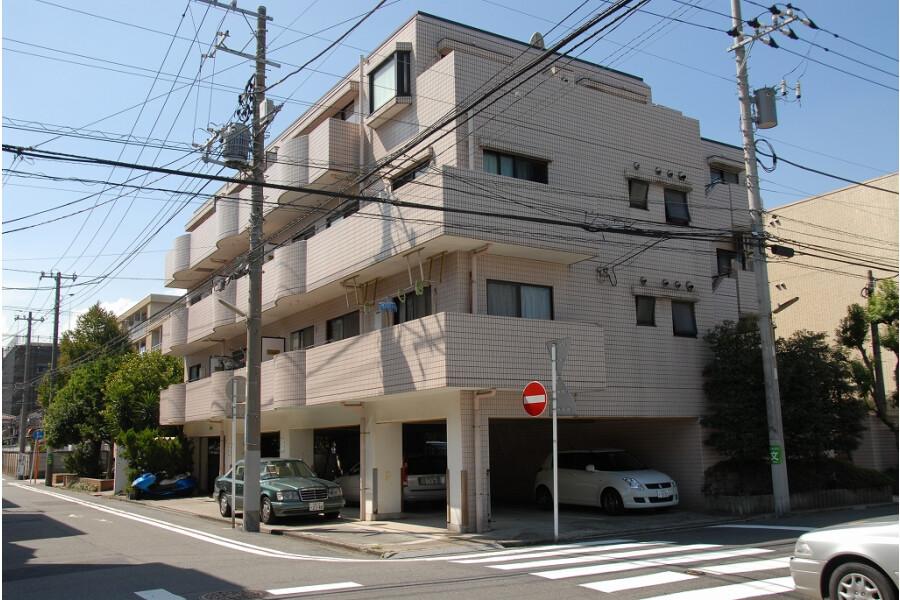 2LDK Apartment to Rent in Kawasaki-shi Kawasaki-ku Exterior