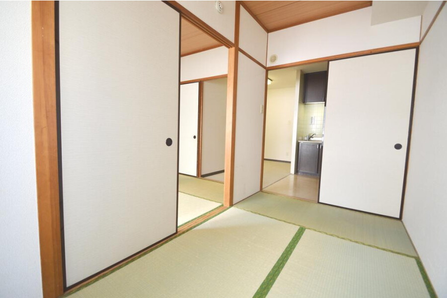3DK Apartment to Rent in Bunkyo-ku Interior