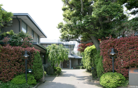 4LDK House in Denenchofu - Ota-ku