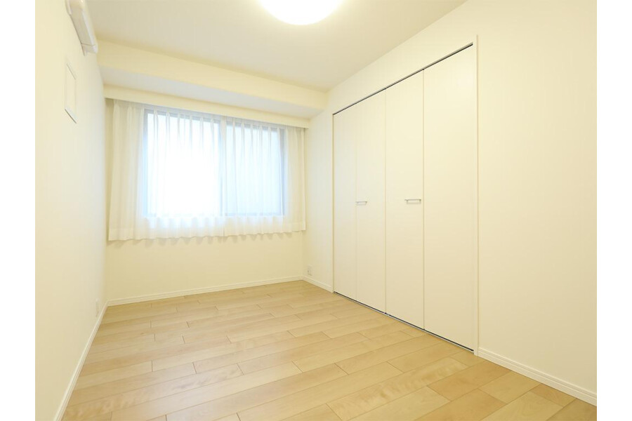 2SLDK Apartment to Buy in Meguro-ku Outside Space