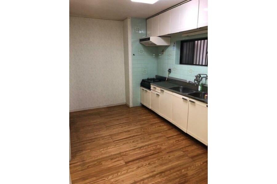 在大阪市東住吉區購買4LDK 獨棟住宅的房產 起居室