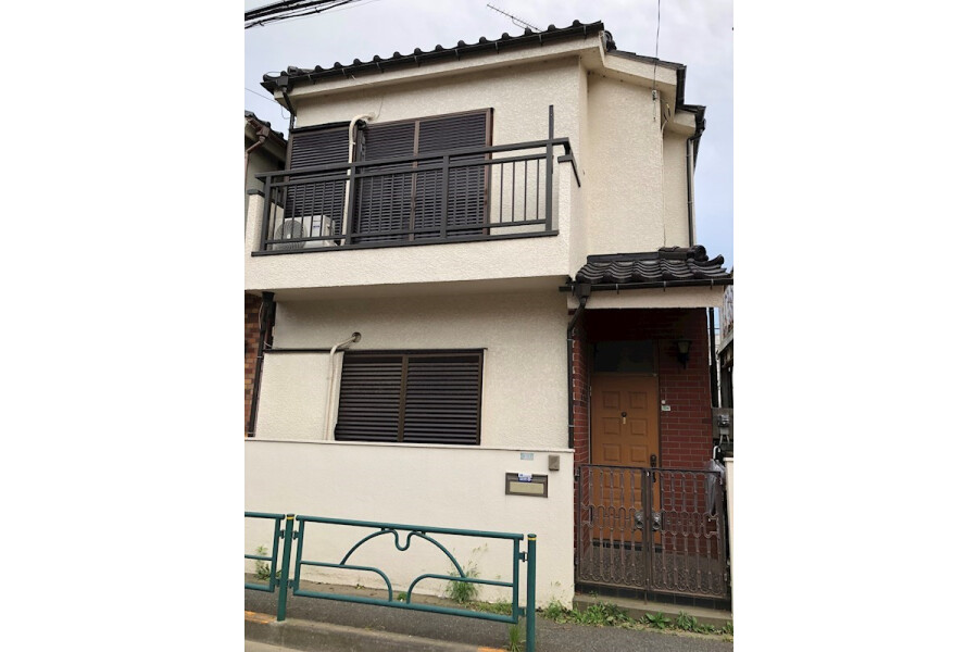 4K House to Rent in Komae-shi Exterior