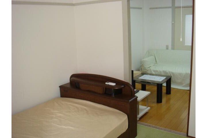 2DK Apartment to Rent in Osaka-shi Tennoji-ku Bedroom