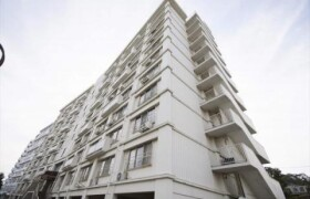横浜市金沢区 瀬戸 2LDK {building type}