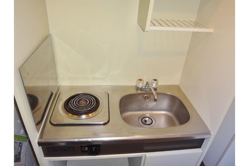 1K Apartment to Rent in Osaka-shi Ikuno-ku Kitchen