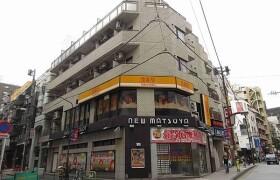 1R {building type} in Azabujuban - Minato-ku