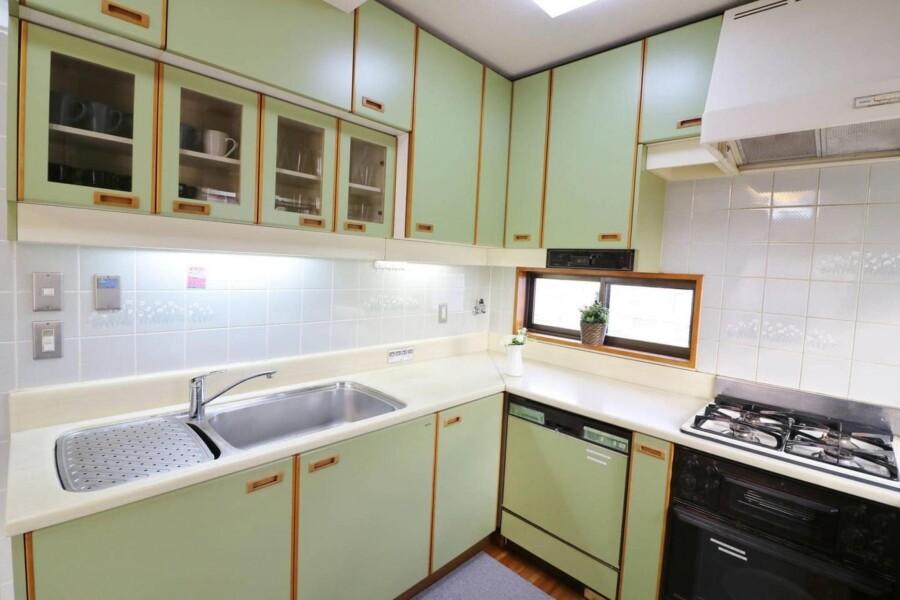 3LDK Apartment to Rent in Nakano-ku Kitchen