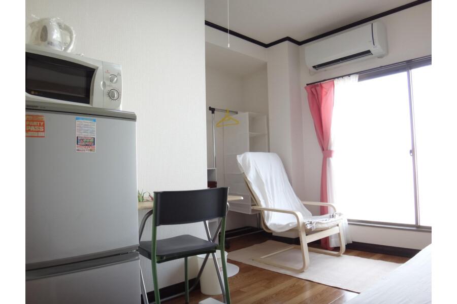 1K Apartment to Rent in Osaka-shi Sumiyoshi-ku Living Room