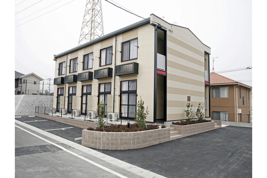 1K Apartment to Rent in Onojo-shi Exterior