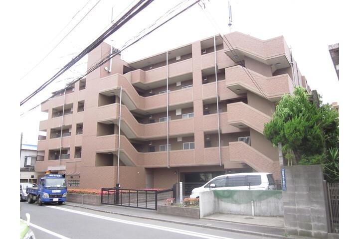 3DK Apartment to Rent in Yokohama-shi Kohoku-ku Exterior