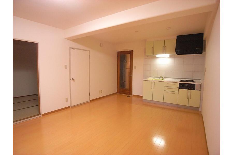 2LDK Apartment to Rent in Sagamihara-shi Minami-ku Living Room