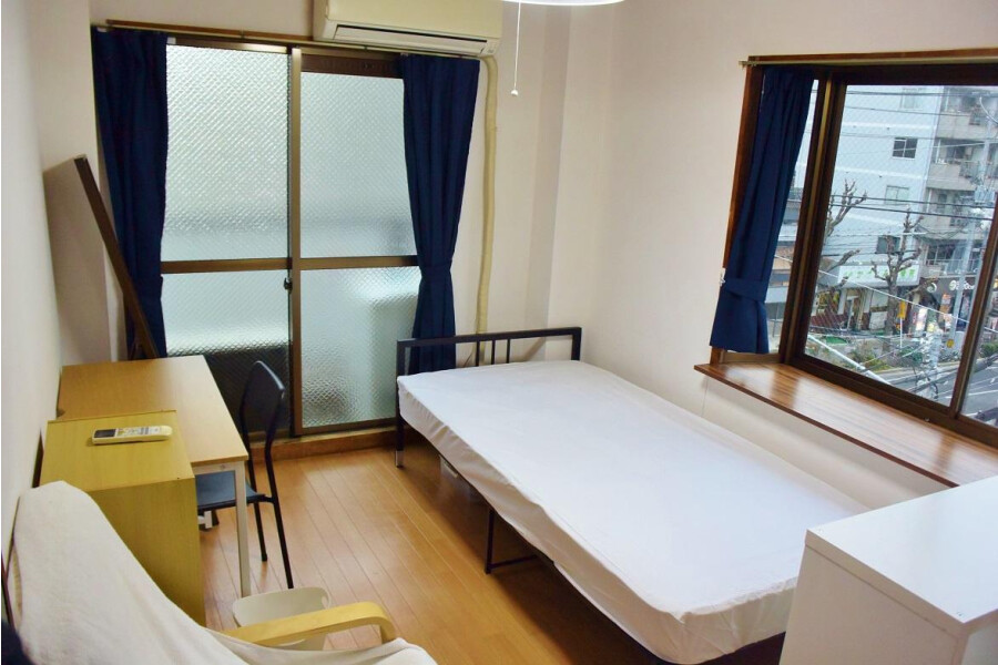 1R Apartment to Rent in Osaka-shi Higashinari-ku Bedroom