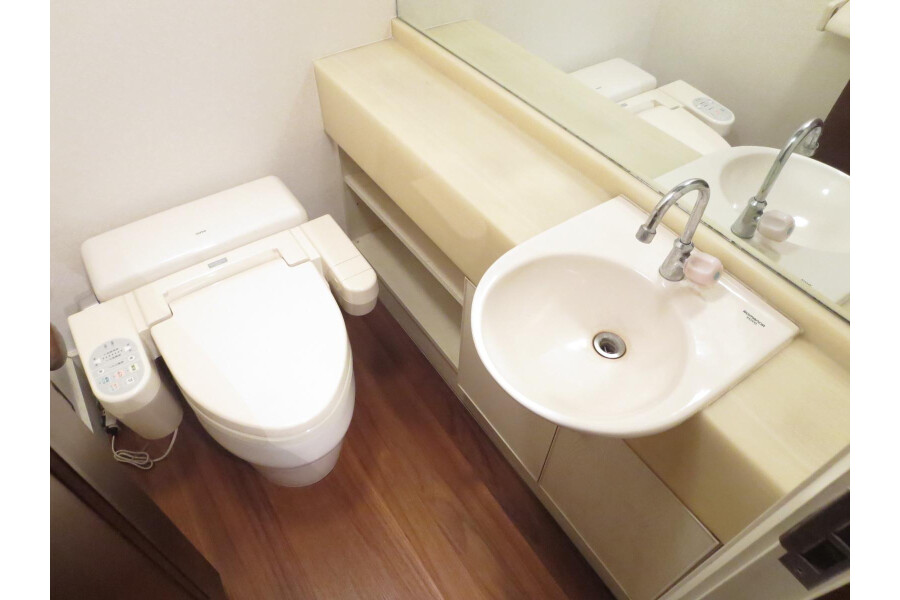 6SLDK House to Rent in Ota-ku Toilet