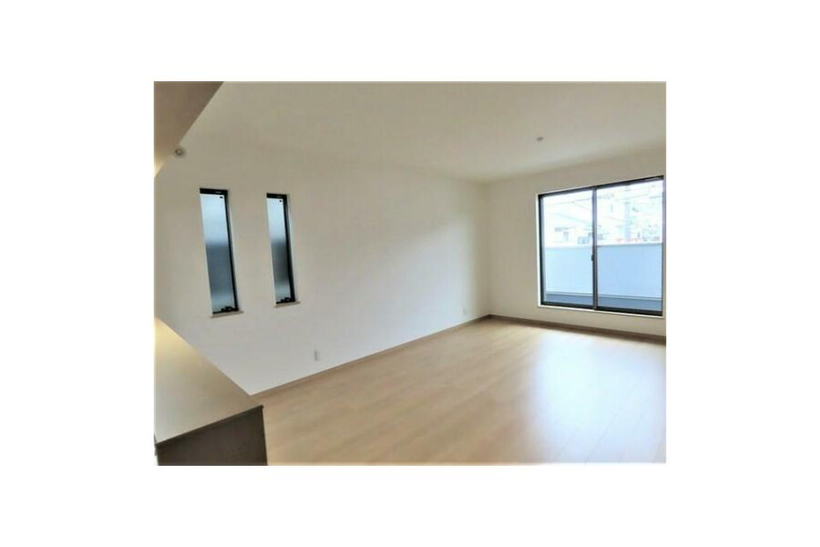 4LDK House to Buy in Neyagawa-shi Living Room