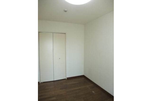1R Apartment to Rent in Kawasaki-shi Kawasaki-ku Living Room