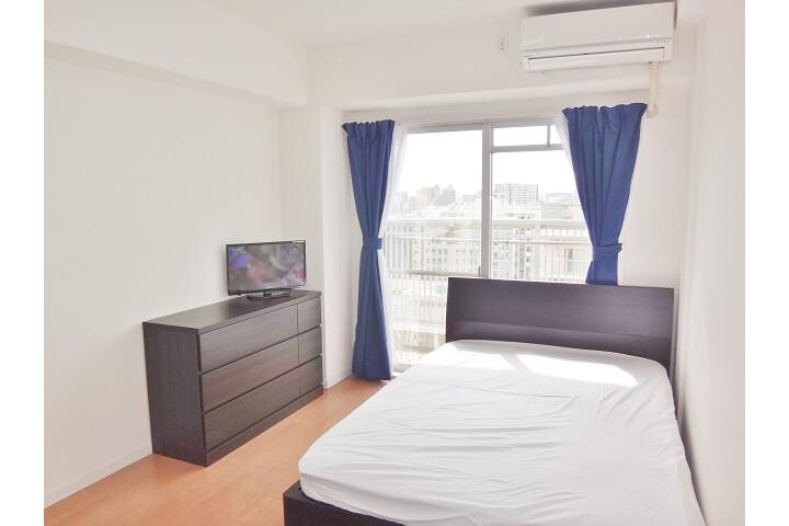 1K Apartment to Rent in Osaka-shi Naniwa-ku Bedroom