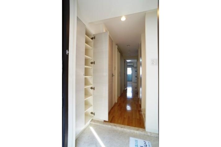 1K Apartment to Rent in Chiba-shi Chuo-ku Living Room