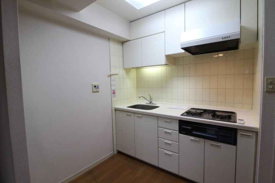 1DK Apartment to Rent in Katsushika-ku Kitchen