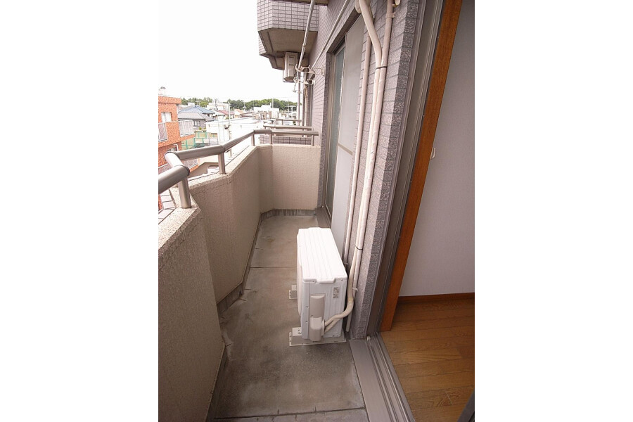 2DK Apartment to Rent in Setagaya-ku Balcony / Veranda