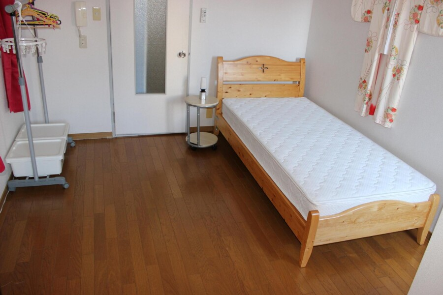 1R Apartment to Rent in Osaka-shi Higashiyodogawa-ku Bedroom